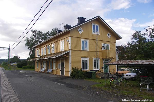 Stationshuset i Järpen på eftermiddagen för nio år sedan idag.